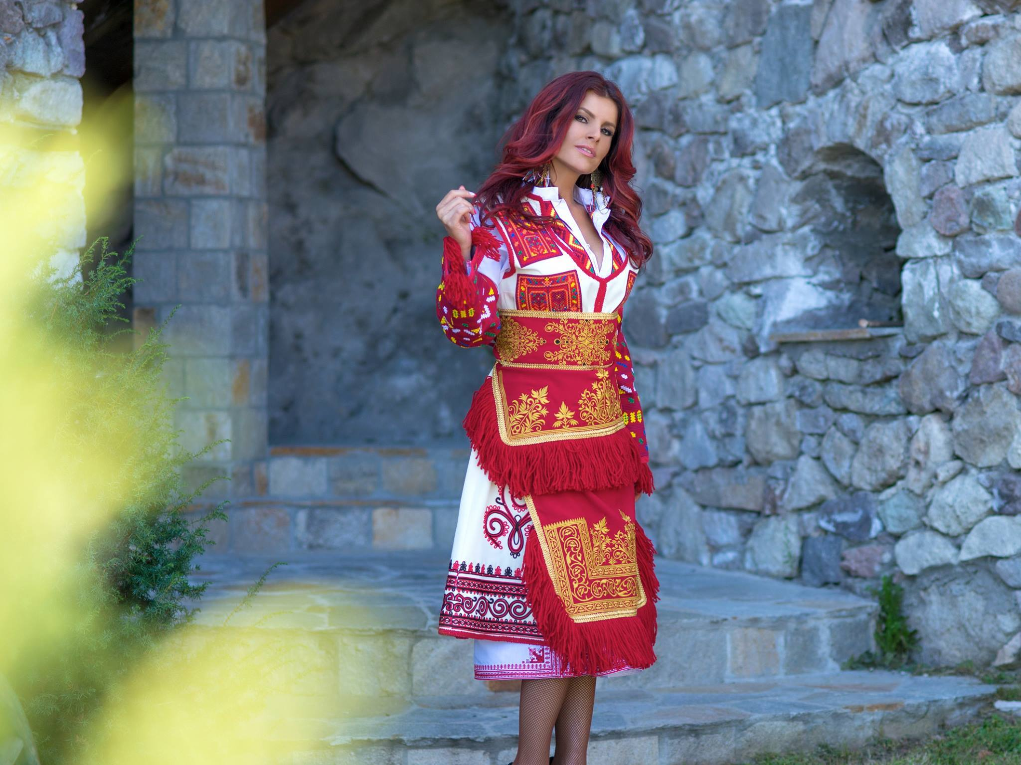 c41001a8313 БЪЛГАРСКИ НАРОДНИ НОСИИ ОТ МЕЛИ - М в Пловдив - Golden Pages